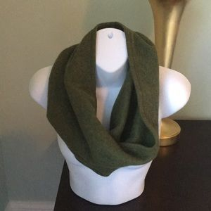 NWOT Ply Cashmere Snood